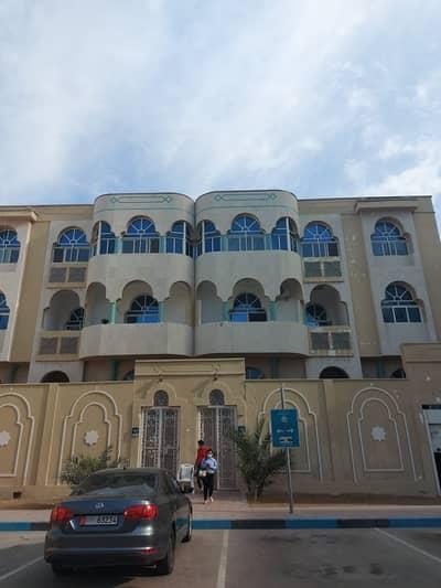 فلیٹ 1 غرفة نوم للايجار في الوحدة، أبوظبي - 1BHK For 35K Yearly BackSide Al Wahda Area