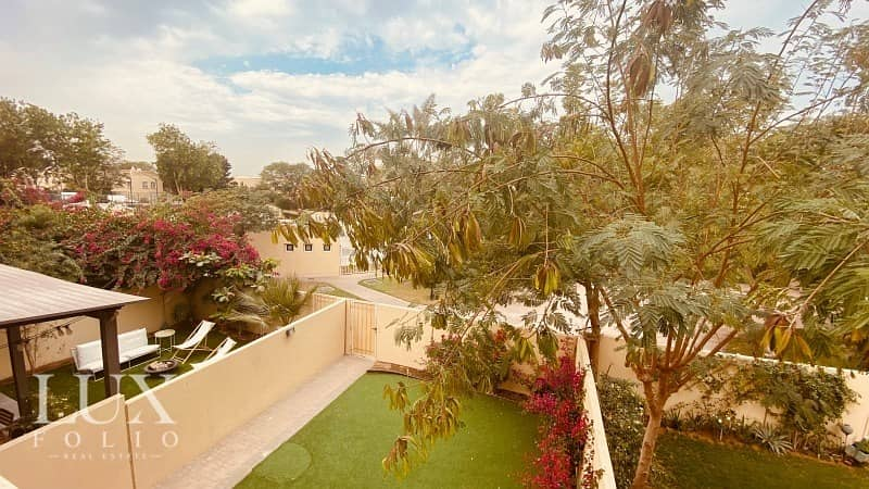 Immaculate| Great Location| 2 Bed Type 4M| Townhouse