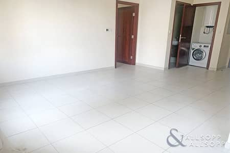 1 Bedroom Flat for Rent in Downtown Dubai, Dubai - One Bedroom I Podium Level I Unfurnished