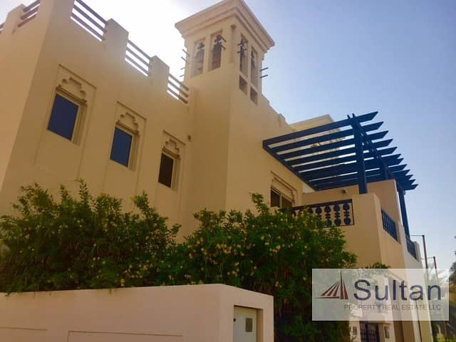 Lovely 3 Bed Villa At Walk-able Distance To Mall