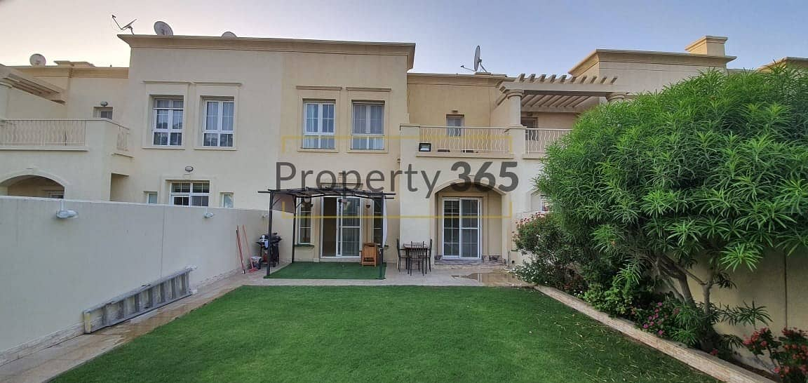 2 Spacious /3 Bedrooms  plus Study room/ Close to shops