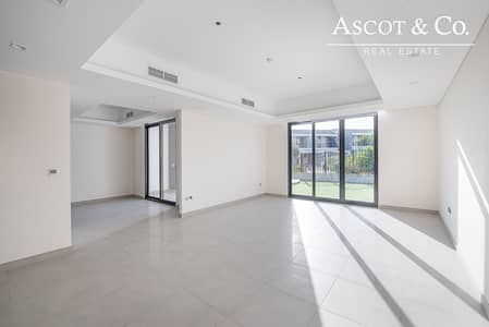 4 Bedroom Villa for Rent in Motor City, Dubai - NEW - 12 CHEQS - PARK FACING - AVAILABLE