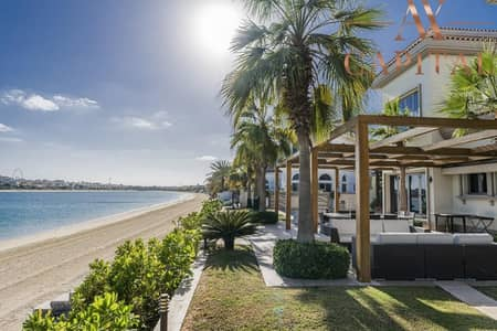 5 Bedroom Villa for Sale in Palm Jumeirah, Dubai - Marina Skyline & Burj Al Arab View   Private Pool