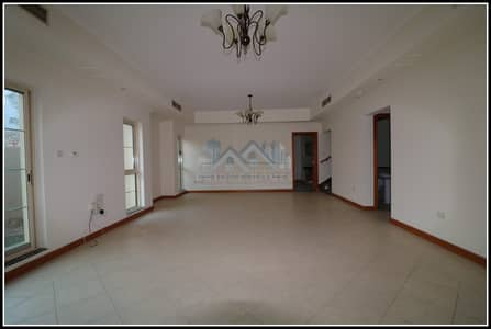 4 BHK Independent Villa in a compound with a Garden in Jumeirah