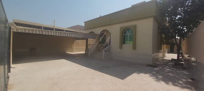 Villa for rent in Ajman, one floor, 3 rooms, a majlis, a hall, monsters and air conditioners, only 60 thousand dirhams