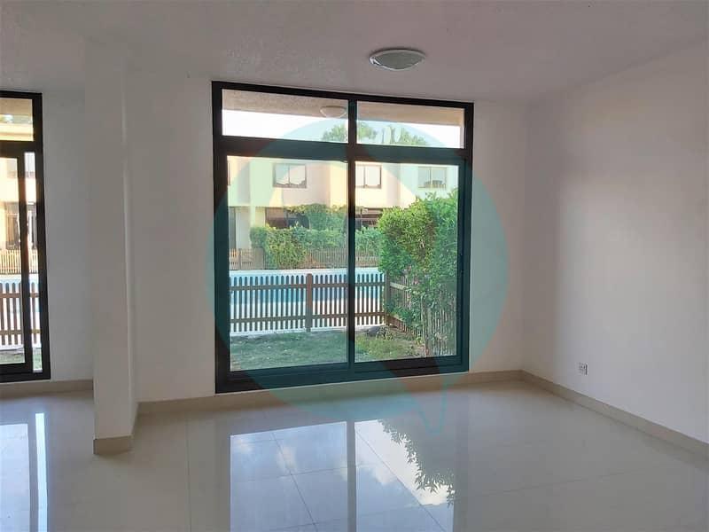 no commission\ 3 beds\ 4 baths Villa in Umm Suqeim