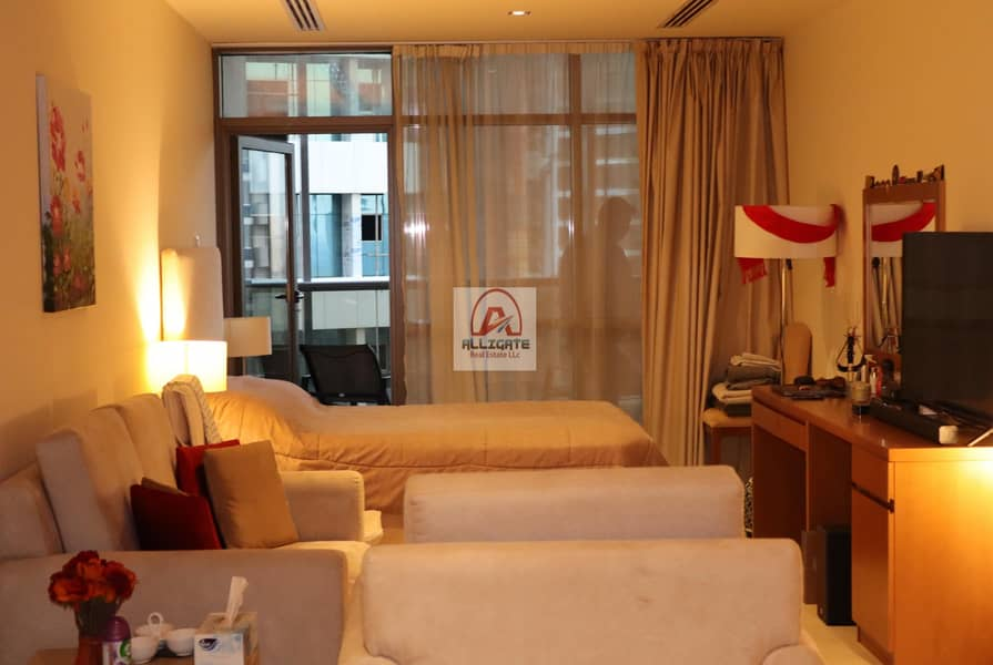 Luxurious Furnished Spacious Layout Studio