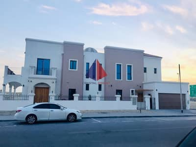 BEAUTIFUL INDEPENDENT  VILLA WITH PRIVATE POOL BRAND NEW
