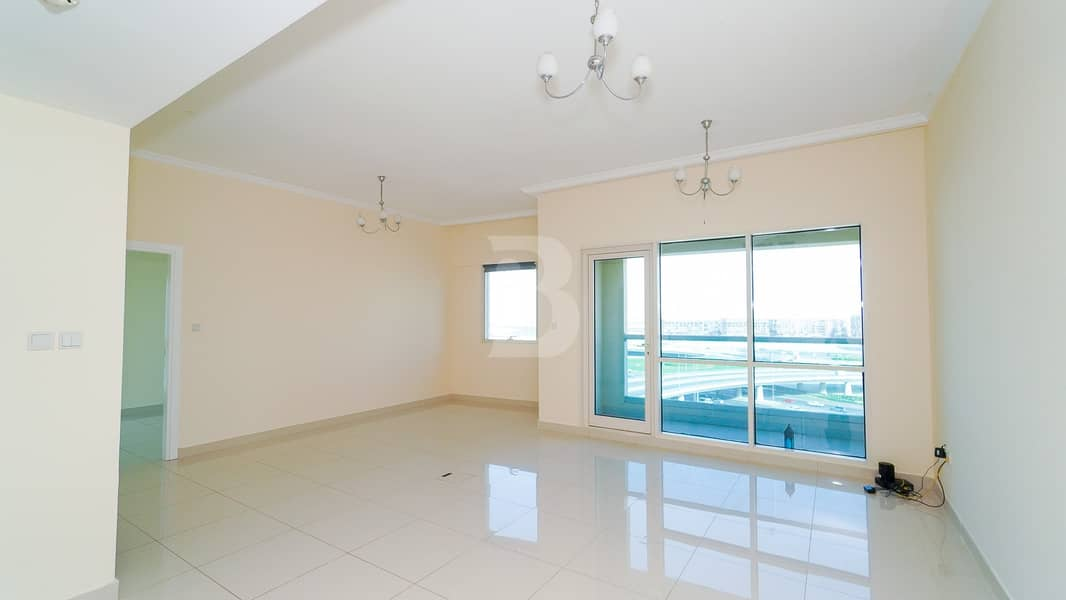 Large Layout   Balcony & Parking   Vacant   4 Chq