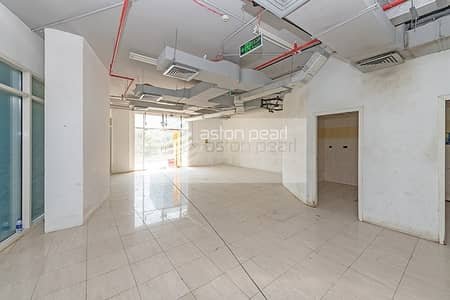 Shop for Rent in Jumeirah Lake Towers (JLT), Dubai - Lake View|Retail Space Available in Cluster O| JLT