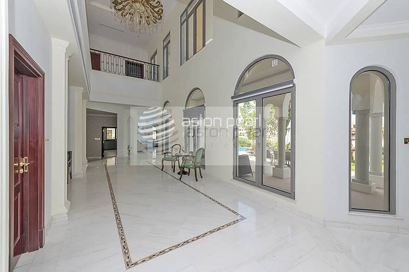 9 Beautiful Signature Villa |Well Maintained |Vacant