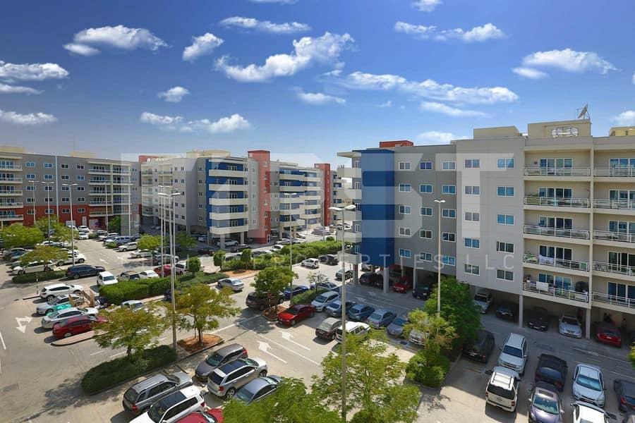 Superb Apartment w/ Rent Refund + Parking.