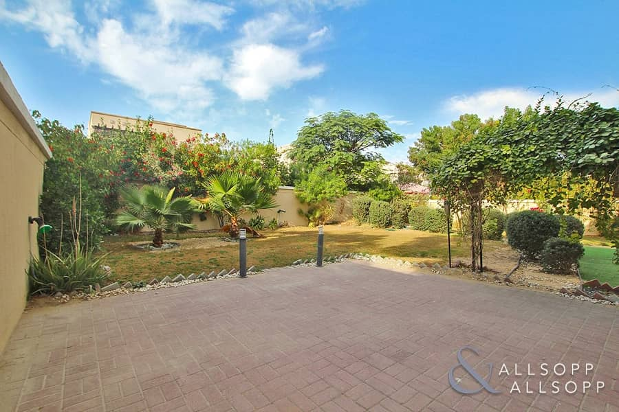 2 Vacant Now | Landscaped | Arabian Style