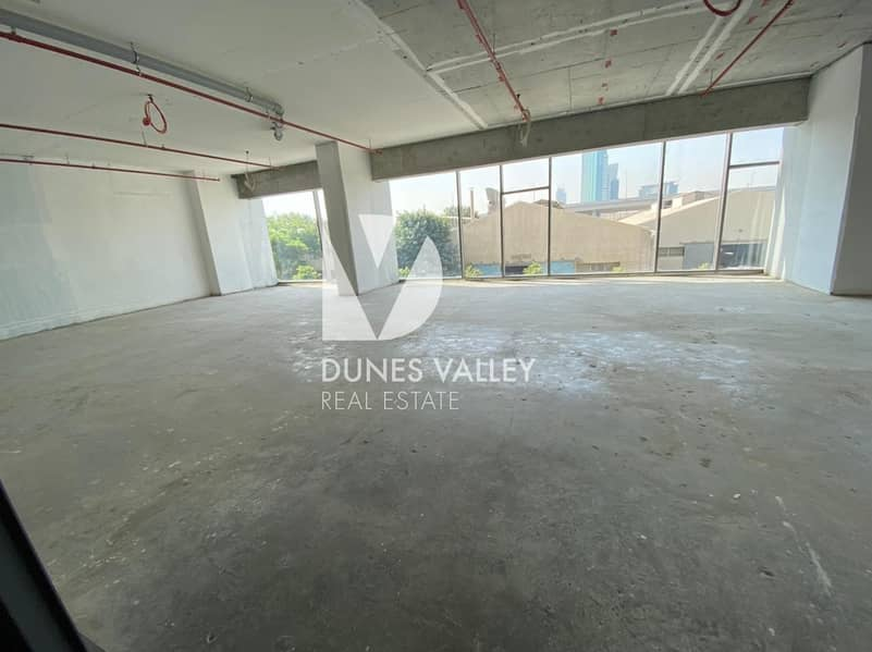 2 Spacious Office and Showroom for rent