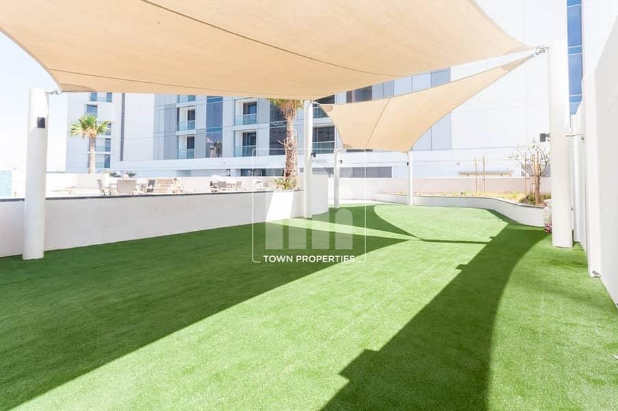 2 Contemporary 1BHK Apartment with Balcony!