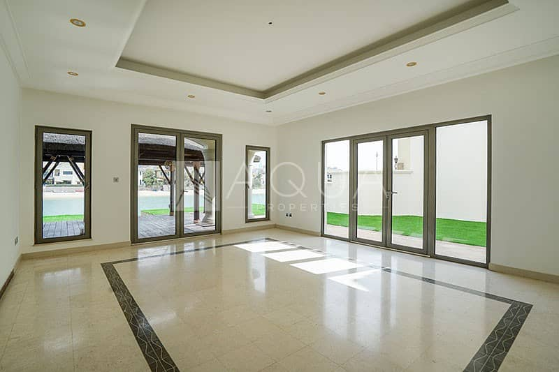 2 Upgraded Grand Foyer | Extended Plot | Vacant