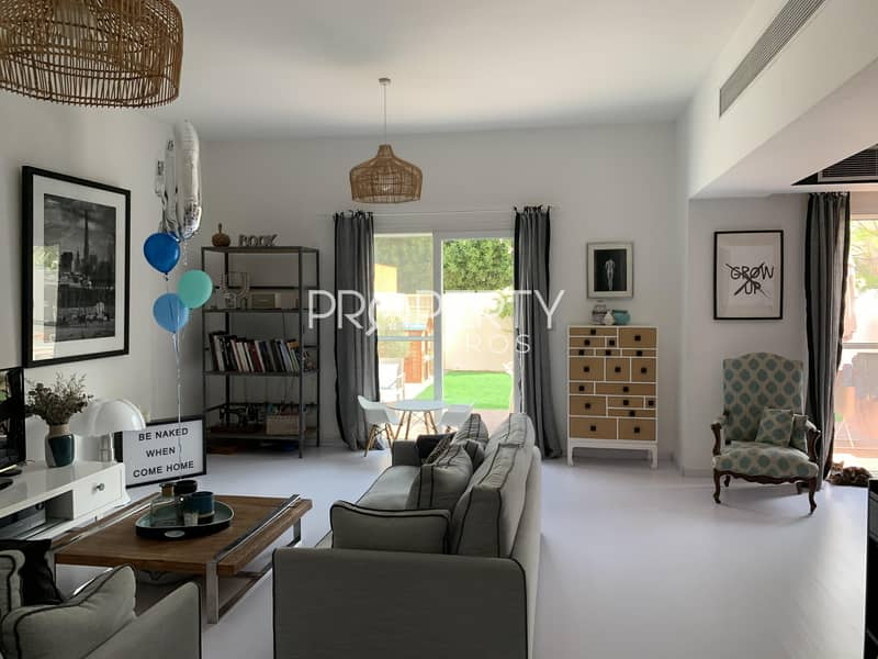 2 Beautiful Upgrade | Fully Landscaped | Study Room