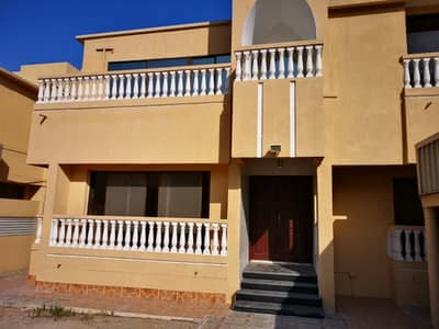 5 Bedroom Villa for Rent in Al Garhoud, Dubai - 2 Months Free 6 Cheqs G+1 Fully Refurbished Pvt Entrance  & Remote  Garage.