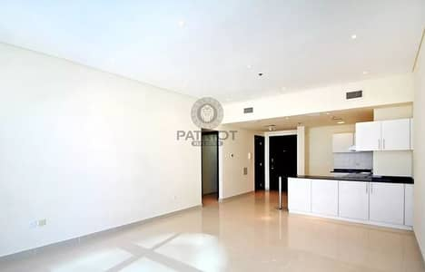 Attractive Two Bedrooms Apartment Wih marina View