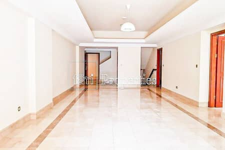 3 Bedroom Townhouse for Sale in Palm Jumeirah, Dubai - Triplex 3 Bedroom Townhouse with Pool!