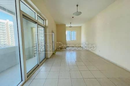 Corner unit| Chiller Free| well kept Property |