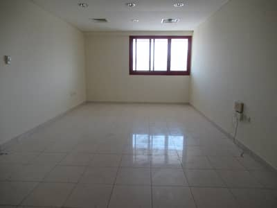 TWO BED ROOMHALL AVAILABLE NEAR BUR JUMAN BUR DUBAI ONLY FAMILY BUILDING