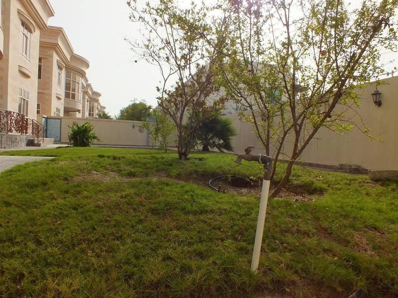 16 modern commercial independent villa umm suqeim 1 rent is 700k