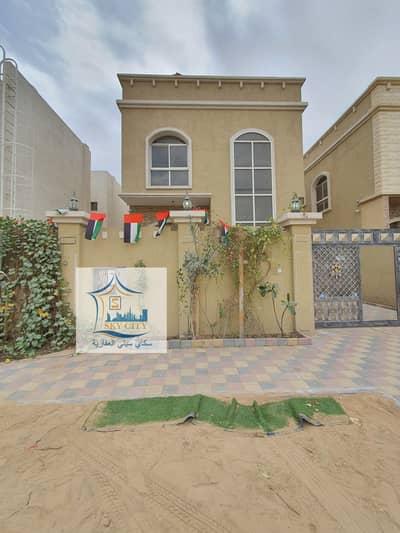 5 Bedroom Villa for Sale in Al Rawda, Ajman - Villa for sale with electricity behind Al Hamidiyah Center