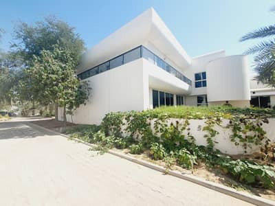modern big independent villa  in Jumeirah 1 rent is 800k