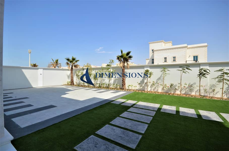 2 Brand New Luxurious 6BR Villa I Spectacular Garden