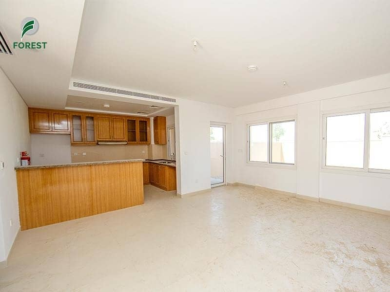 Spacious 2BR   Luxurious Townhouse   Tenanted