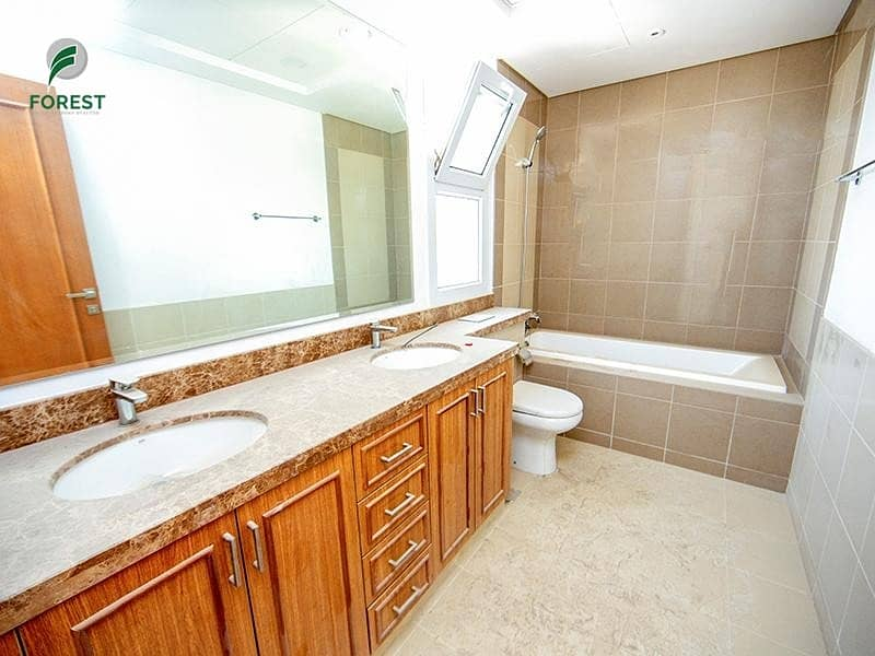 12 Spacious 2BR   Luxurious Townhouse   Tenanted
