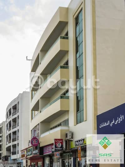 Shop for Rent in Al Qusais, Dubai - LADIES SALOON (3-BHK with 3 bathroom (1604 Sq. ft)