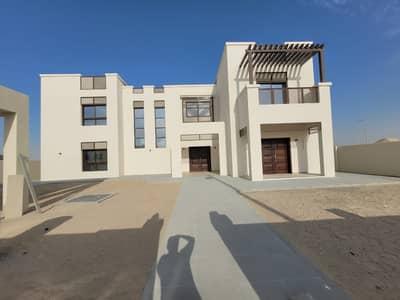 فیلا 5 غرف نوم للايجار في جنوب الشامخة، أبوظبي - فیلا في جنوب الشامخة 5 غرف 150000 درهم - 5020390