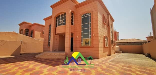 6 Bedroom Villa for Rent in Al Bateen, Al Ain - Nice Independent Villa in Bateen