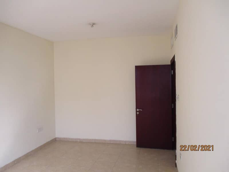Spacious 2 Bedroom Flat w/2Bathrooms Available For Rent