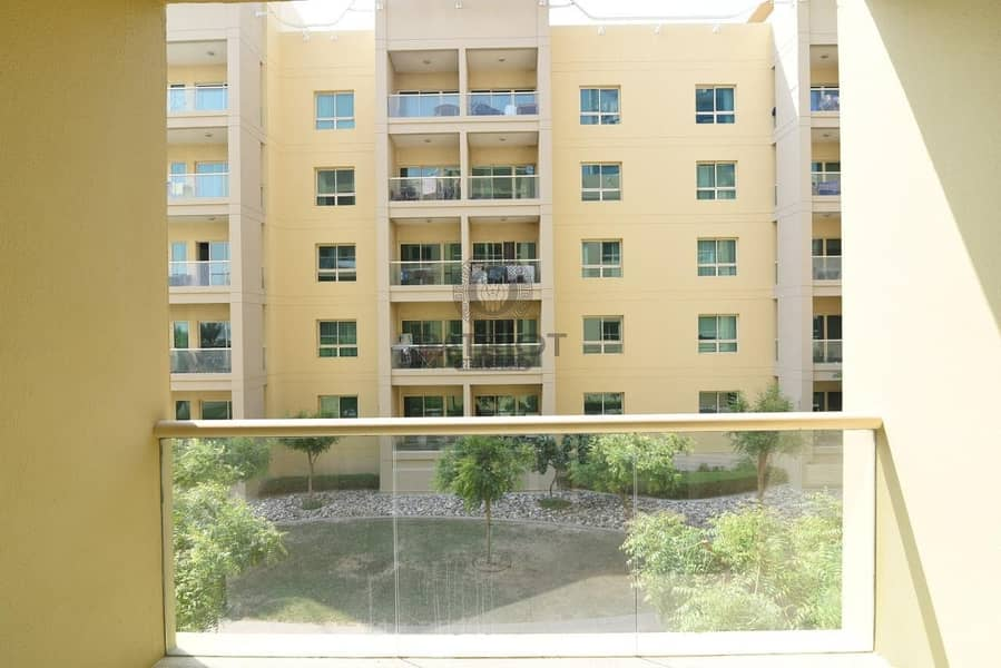 11 Spaious l Well Maintained l One Bedroom l Garden View