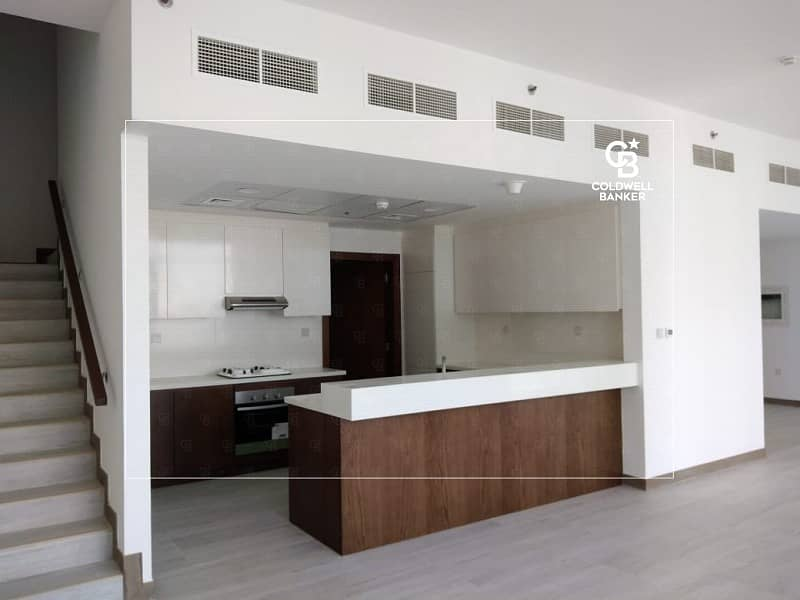 New & Luxurious Pool View 3bed+M Duplex High View