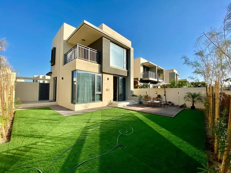 4BED + M |  CLOSE TO POOL & PARK | 2E UNFURNISHED