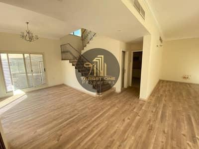 فیلا 4 غرف نوم للايجار في مردف، دبي - Huge 3 Bedroom Villa Looking New / Sharing Pool