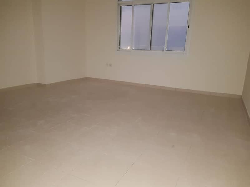 Vacant Open veiw with high floor vacant 2-br avail in 600k