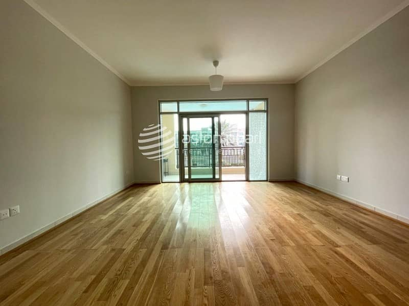 2 Upgraded Rare 2 Bedroom | Vacant /Ready To Move In