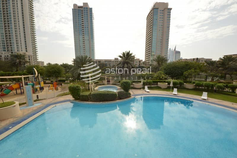 20 Upgraded Rare 2 Bedroom | Vacant /Ready To Move In