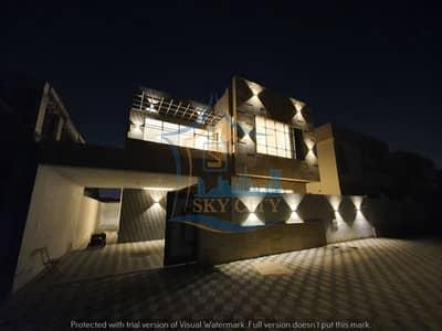 5 Bedroom Villa for Sale in Al Mowaihat, Ajman - Villa on the asphalt street, Super Deluxe finishing, opposite Al Rahmaniyah, an area of 3500 feet