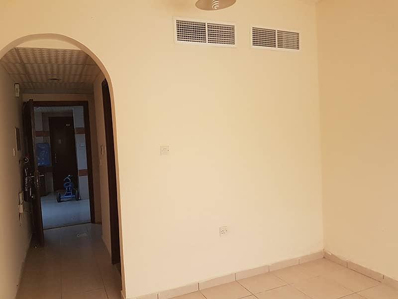 شقة في بوطينة 10000 درهم - 5021827