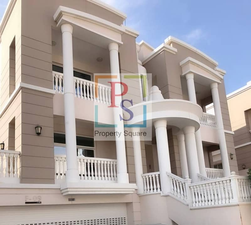 Amazing 5 Bed villa  with Luxurious Finishing.