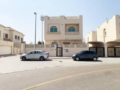 فیلا 3 غرف نوم للايجار في البدع، دبي - فیلا في البدع 3 غرف 120000 درهم - 5022259