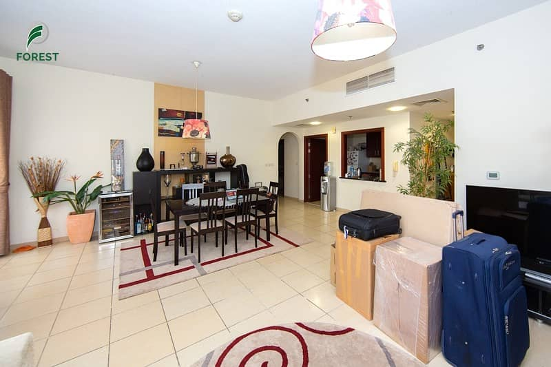 2 Fully Furnished | Mid Floor | Well Maintained
