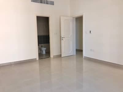 3 Bedroom Flat for Rent in Al Nahyan, Abu Dhabi - Spacious 3 bedrooms with maids  with car parking.