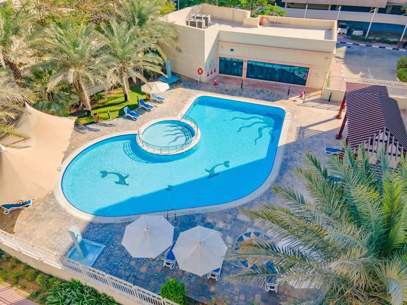 15 50% off commission I Shared pool I Balcony
